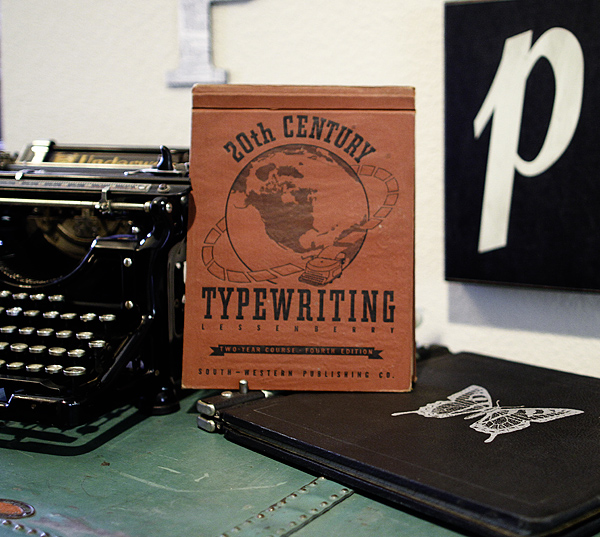 TypewriterBook_web01