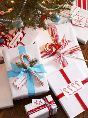Gifts-wrapped-in-white-paper-colored-ribbon-1210-s3-medium_new